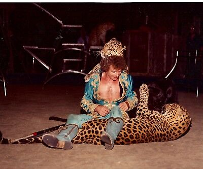 1982 - Ringling Bros. Red Unit - Henry Schroeder - World famous Cat Trainer