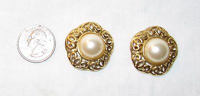 Vintage round bead and gold colored filigree Ladies Shoe Scarf Dress Fur Clips