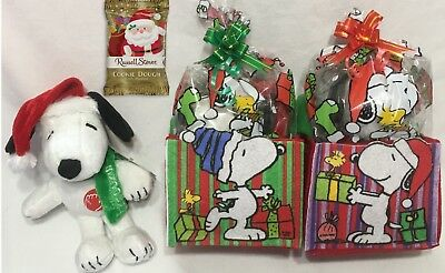 Snoopy Peanuts Christmas Musical Plush Holiday Toy Russell Stover Candy with Bag