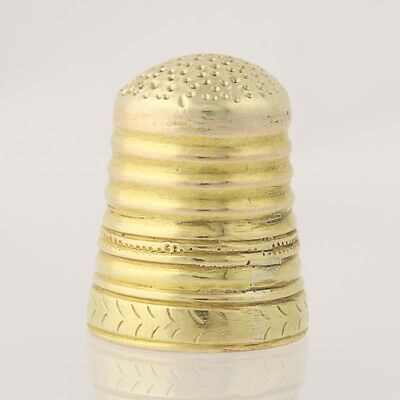 Vintage Thimble - 14k Yellow Gold Ribbed Finish Etched Design Sewing Tool