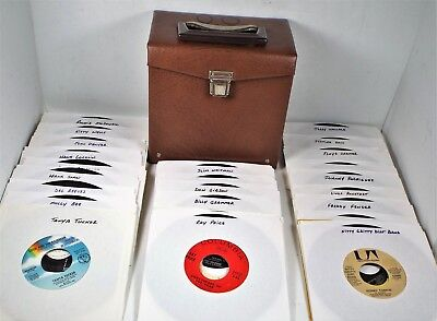 Lot 50 COUNTRY 45 rpm Record In Faux Leather Storage Carry Case - All VG+ or Exc