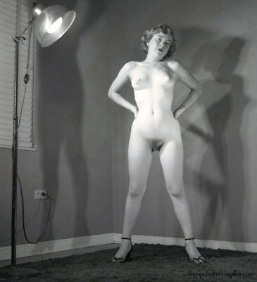 Bunny Yeager C.1950 Pin-up Girl Camera Negative Photograph Starkly Nude Model NR