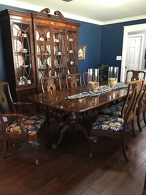 Henredon Dining Table with 2 Leafs, 8 Chairs & Lighted China Cabinet, Walnut