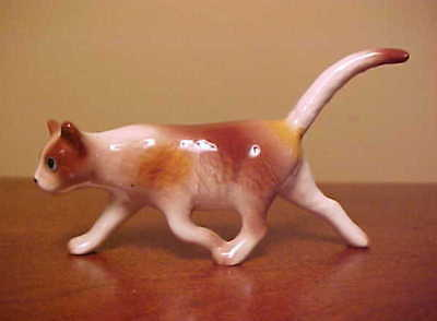 Hagen-Renaker Mini #4011 Calico PROWLING CAT - Miniature Ceramic Figurine