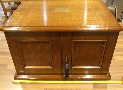Large  Oak 4 Drawer Lined Collectors Table Top Cabinet with lock and key