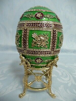 LIMITED EDITION FABERGE IMPERIAL NAPOLEON REPRODUCTION EGG w/PORTRAIT FRAMES