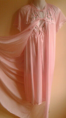 Nylon Peignoir and Nightgown Queentex Canada Sz M pink with Embroidery