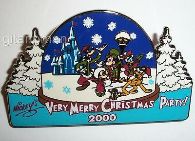 Disney Mickey Very Merry Christmas Party 2000 Snowglobe Chip Dale Donald LE Pin