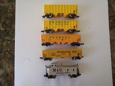Model Trains N Scale 4 Gondola's 1 Caboose