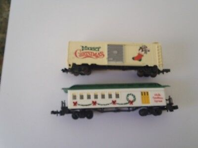 Model Trains N Scale ,2 Christmas Items,