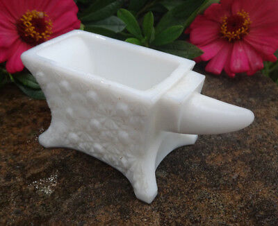 White Milk Glass ANVIL Open Salt Dip, Cellar, Dish w/Daisy & Button Pattern-BERG