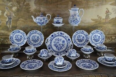 """HUTSCHENREUTHER, KAFFEE-TEE-SERVICE """" ZWIEBELMUSTER """" 9 Pers. 32 Teile, GERMANY"""