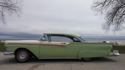 1957 Ford Fairlane  1957 ford hot rod