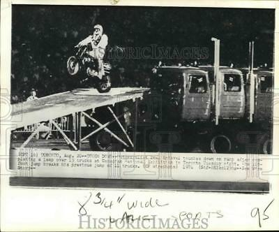 1974 Press Photo Evel Knievel down on a ramp at Canadian National Exhibition
