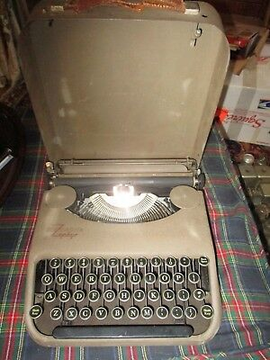 "Smith Corona ""Zephyr"" Portable Typewriter w/Case, War Correspondents model 1940"