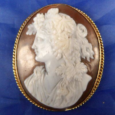 Stunning Antique 9 Ct Gold Natural Carved Shell Cameo Brooch Bacchante
