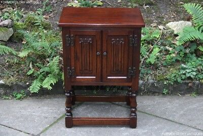 Old Charm Tudor Oak Pedestal Cabinet Phone Lamp Bedside Table Coffee Book Stand