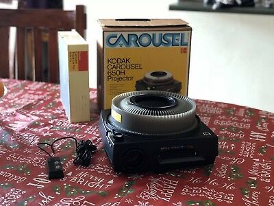 Kodak 650H Carousel Slide Projector with Remote, Slide Tray, And Lens *Mint Con.