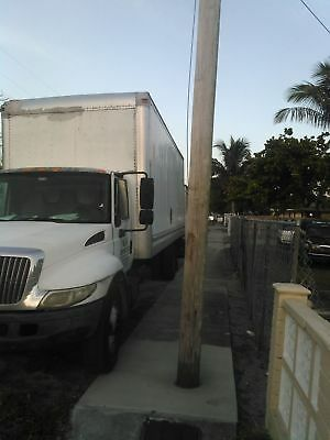 26ft box truck with liftgate