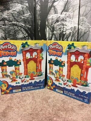 NEW 2 Play-Doh Molding Compound Town Firehouse Fire Station Playset With 4 Cans