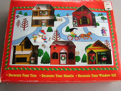Vintage 1992 10 Light Christmas Village Scene 5 Houses w/Replacement Bulbs