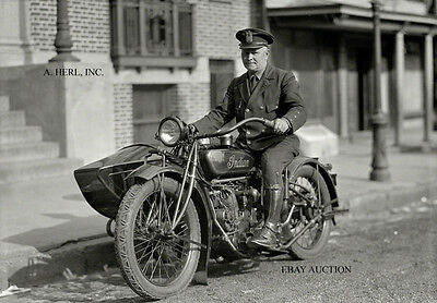 Indian 8-valve V-twin 1918 New York Police motorcycle early photograph Photo