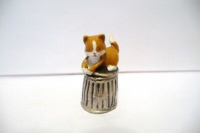 Thimble Handpainted Pewter Enesco '90 Brown & White Kitten/cat On Garbage Can