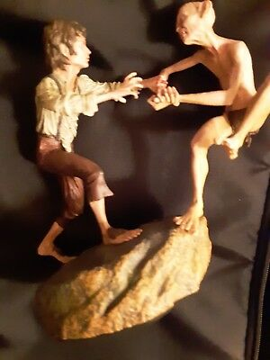 """Lord of the Rings  """"THE CRACK OF DOOM""""  Frodo & Gollum Sideshow Statue"""