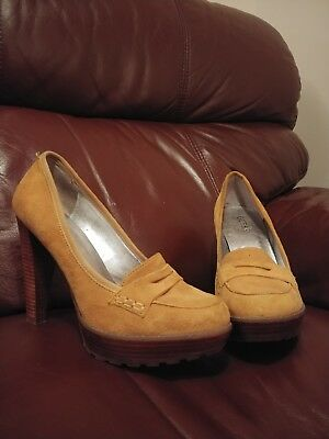 Yellow Guess shoes size 5