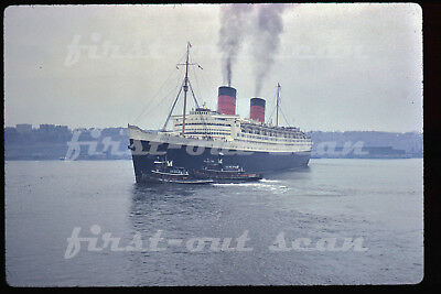 Original Slide - RMS Queen Elizabeth Ship Boat Ocean Liner New York Harbor 1962