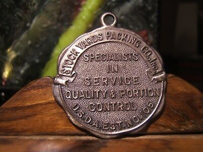 STOCK YARDS PACKING CO. CHICAGO  FOB/Medal  U.S.D.A. EST NO 105 STAMPED  #673