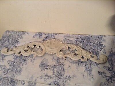 Vintage Style French Wooden Look Furniture Finial Pediment Embellishment (2380)