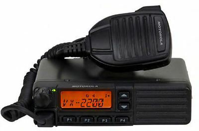 Motorola VX-2200 VHF 136-174 MHz Two Way Radio with Programming Software & Cable