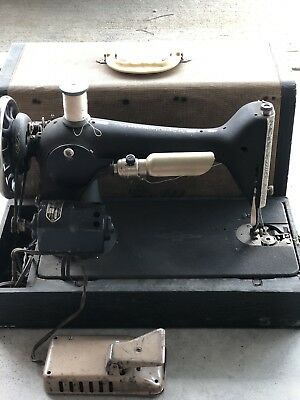 Vintage Singer Sewing Machine Portable Carrying Case Monarch 1930's Light Works