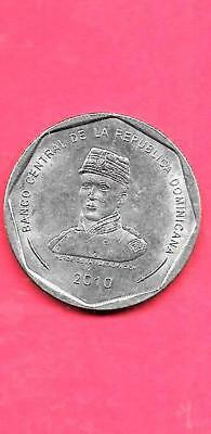 Dominican Republic Km107 2010 Unc-Uncirculated Mint Large 25 Peso Coin