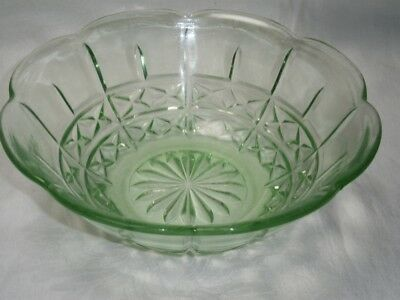 Large Vintage Art Deco Depression Green Pressed Glass Master Sweet / Salad Bowl