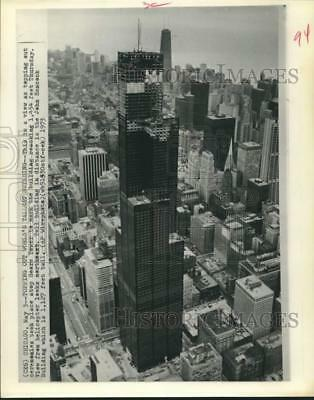 1973 Press Photo Tallest building, the Sears Tower in Chicago almost completed.