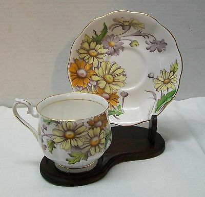 Daisy Teacup and Saucer Royal Albert Bone China Set Flower of the Month Vintage
