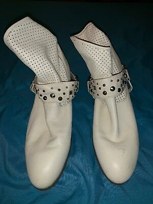 7e28fc0762 Twiggy London Winter White Leather Slip Studded Western Ankle Boots Size 10  🎀