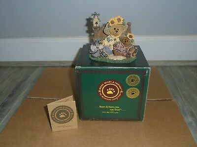 """Boyds Bears - """"sunny & Sally Berriweather...plant With Hope""""   #01999-41 Fob"""