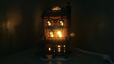 """DEPARTMENT 56 DICKENS' Village Series 1999 """"LEED'S OYSTER HOUSE""""   #56.58446"""