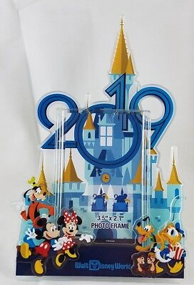 """Disney Parks WDW 2019 Castle Photo Frame for 3.5"""" x 2.1"""" Magnet & Stand - NEW"""