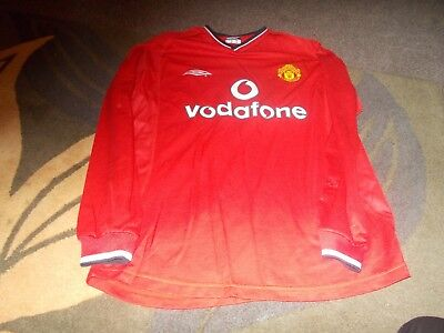 Umbro Manchester United Home Shirt Adult Medium Long Sleeves 2000/02