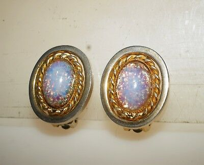 e5eb78843 Sparkly Vintage Glass Fire Opal Cabochon Gold Tone Clip on Earrings 1