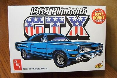 Amt Dirty Donny's 1969 Plymouth Gtx 1/25 Scale Model Kit