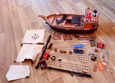 Playmobil Vintage Pirate Ship 3550 - Very Rare spares or repair WITH ACCESSORIES