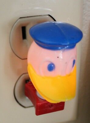"Vintage Disney Donald Duck Plug In Night Light Nite Lite Works 2 1/4"" Tall"