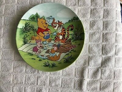"Winnie The Pooh "" Poohs Picnic "" Plate. 8th In The Series"