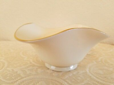LENOX Scalloped Tri-Fold Nut Bowl Candy Dish with Gold Rim