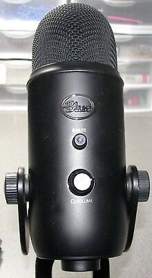 Blue Microphones Yeti Blackout Edition USB Condenser Professional Microphone